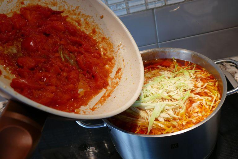 Borscht-Soup-vegetarian16