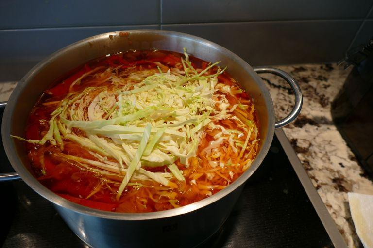 Borscht-Soup-vegetarian13