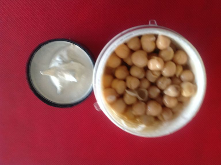 Homemade-Hummus-3